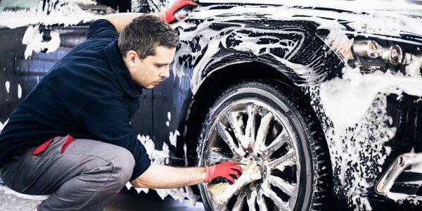 Mytí interiéru i exteriéru aut typu kombi i sedan