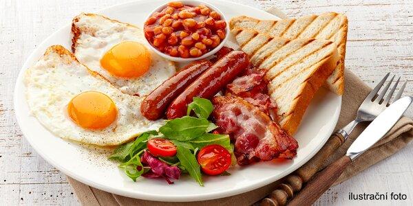 Bohatá snídaně v útulné kavárně v centru Prahy