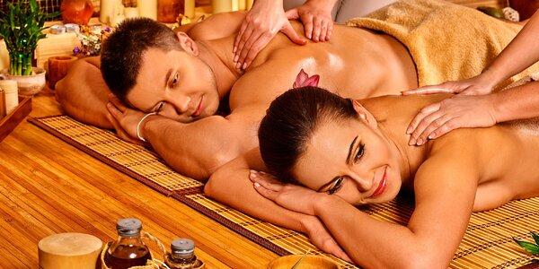 Párová masáž při svíčkách