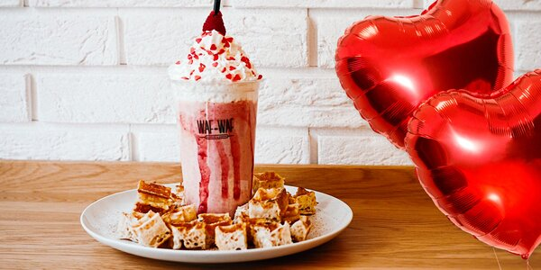 Valentýnský milkshake a vafle se skořicovým cukrem