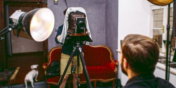 Na plech: 2 portréty historickým fotoaparátem