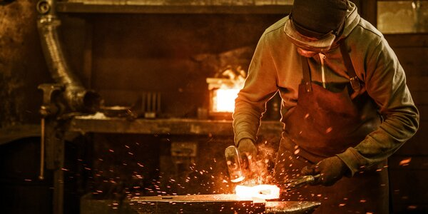 5–8hodinový kovářský kurz s výrobou dárku