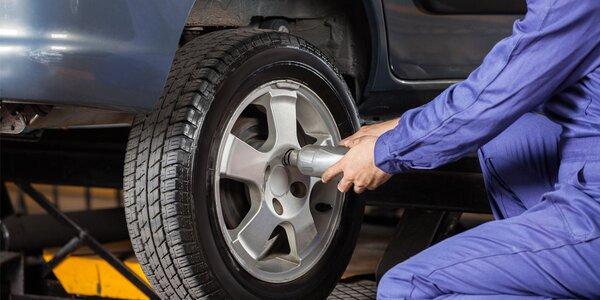 Přezutí vozu včetně vyvážení a dohuštění