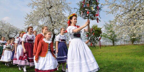 Tradiční vítání jara a vynášení smrtky ve skanzenu