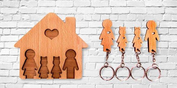 Dřevěný věšák na klíče pro páry a rodiny
