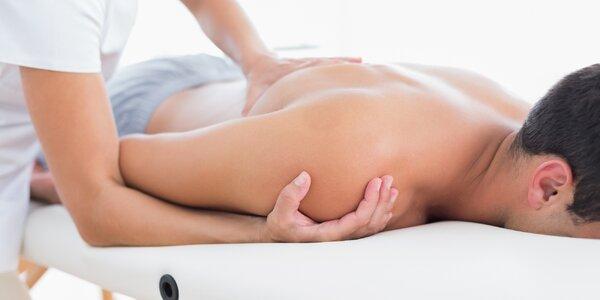 Breussova masáž páteře s použitím třezalkového oleje