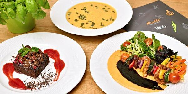 3 vegetariánské chodové menu: polévka, špíz i dortík