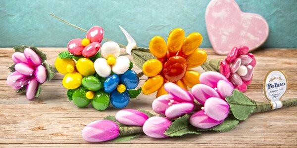 Prvomájový dárek: květiny z čokolády i mandlí