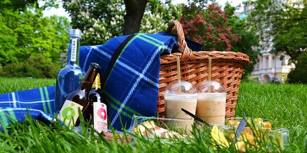 Bezlepkový veganský koš na piknik pro dva i psa