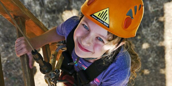 Super adrenalin: 300m lanová dráha a 12m houpačka