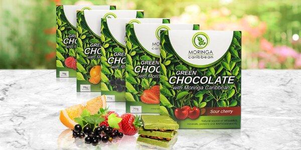 Zdravé mlsání: čokoláda s moringou a ovocem