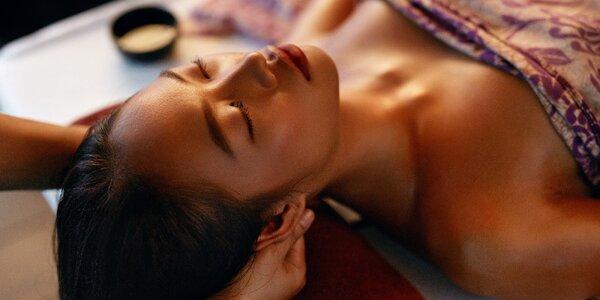 Hodina v ráji: masáž obličeje a hlavy + relaxace