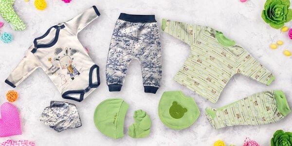 Tří nebo sedmidílné sety oblečení pro miminka