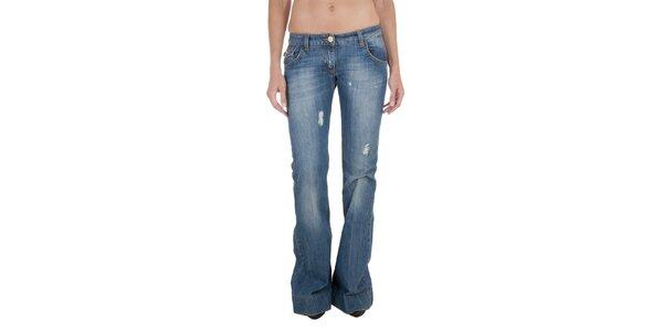 Zvonové džíny Relish s prošíváním na zadní straně