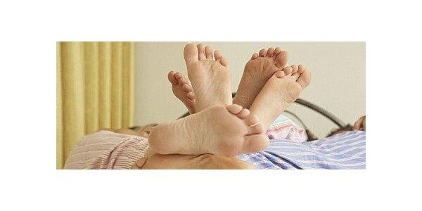 Reflexologie plosek nohou v délce 45 minut a vonná lázeň pro úlevu nohou