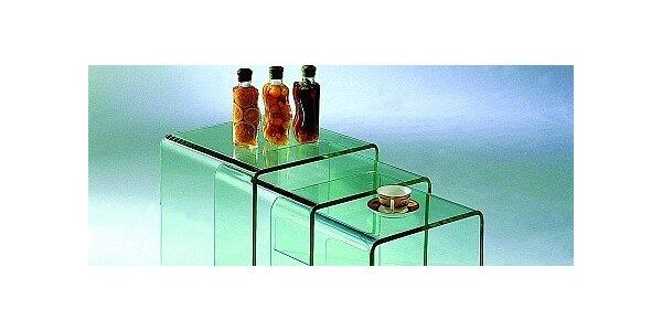 Sada skleněných stolků s elegantním designem