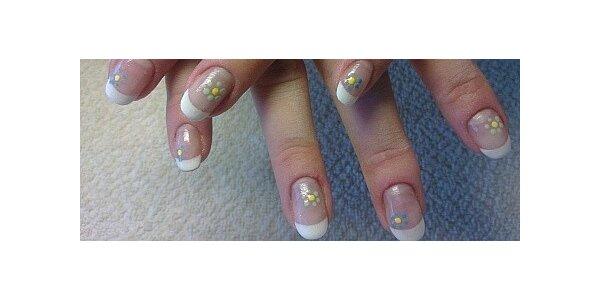 Zpevnění přírodních nehtů včetně barevného gel laku