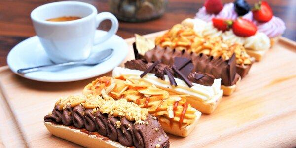 Dokonalé mlsání: výběrová káva a úžasná rakvička
