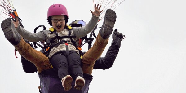 Nebeský zážitek pro děti: Tandemový paragliding