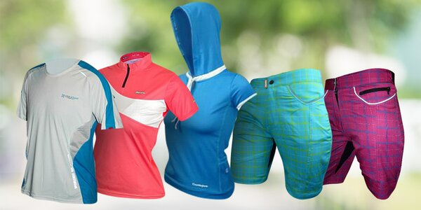 Sportovní oblečení: trika, kraťasy i cyklodresy