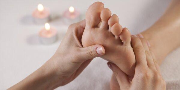Reflexní masáž plosek nohou i švýcarská pedikúra
