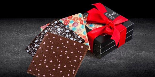 Ručně dělaná čokoláda s nugátovou náplní