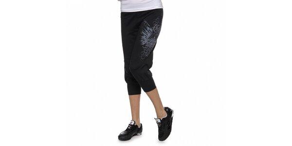 Dámské černé tříčtvrteční kalhoty Guess s potiskem