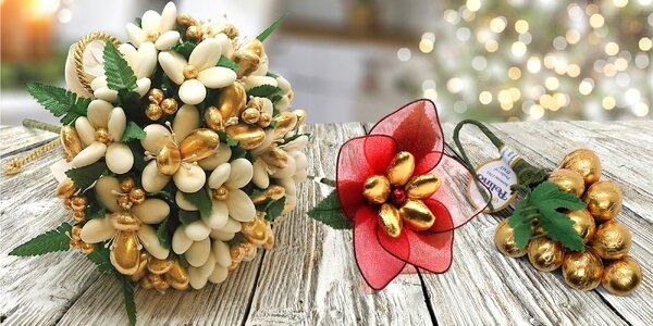 Ozdobte vánoční dárek květinou z čokolády a mandlí
