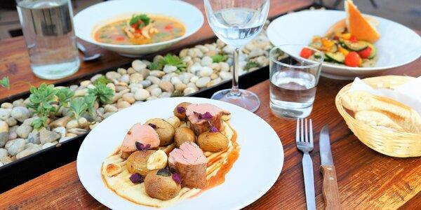 3chodové menu s thajskou polévkou a panenkou