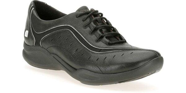 Dámské černé botasky Clarks s technologií Wave Walk