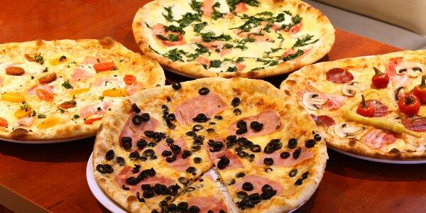 Pizza dle výběru z 15 druhů pro 2 nebo 4 osoby