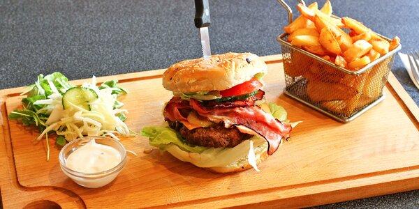 Bacon nebo Chilli burger s domácími hranolky