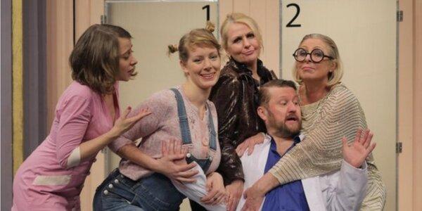 Divadelní komedii Doktor v nesnázích