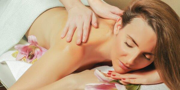 Hodinová relaxační masáž: záda, nohy a šíje v Blansku