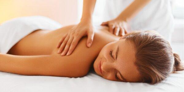Relaxační láskyplná masáž speciálním olejem