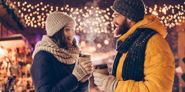 Svařené pivo, víno a hruška na vánočním trhu