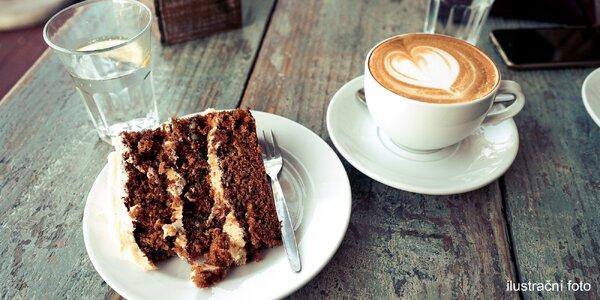 Mrkvový dort a horký nápoj pro jednoho i dva