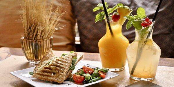 Toasty, ovocná limonáda nebo káva pro 1 i 2 osoby
