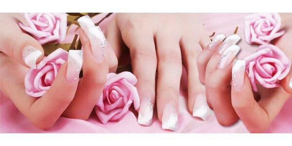Modeláž nehtů gelem se zdobením = dokonalý vzhled