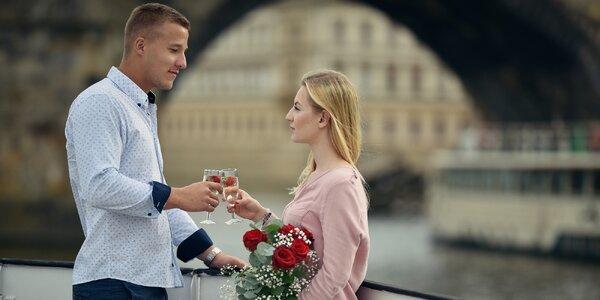 Valentýnská plavba se sektem a rautem pro pár