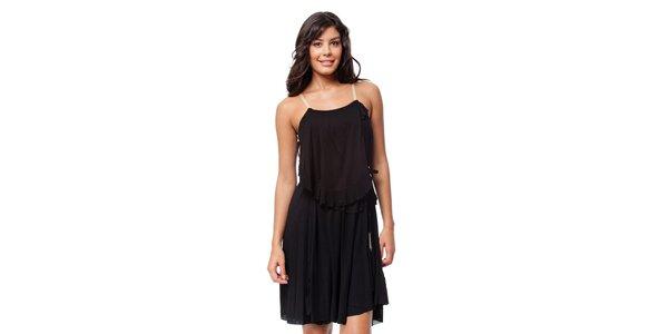 Romantické černé šaty s volány Guess