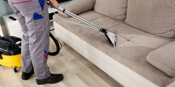 Profesionální strojové čištění sedacích souprav