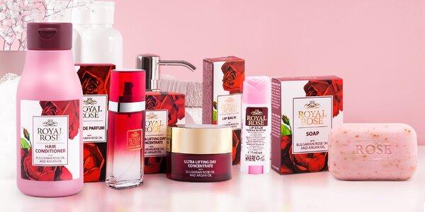 Kosmetika s obsahem růžové vody i oleje