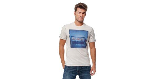 Pánské krémové tričko Guess s modrým foto potiskem
