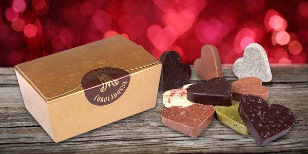 Ručně vyráběná čokoládová srdíčka v dárkové krabičce