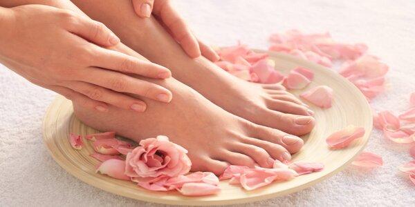 Mokrá pedikúra zakončená relaxační masáží chodidel