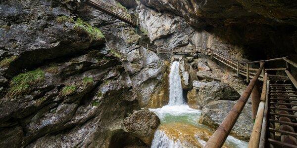 Poznávací výlet do kaňonu Medvědí soutěska