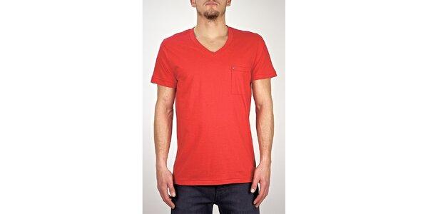 Pánské červené tričko s véčkovým výstřihem Judge&Jury