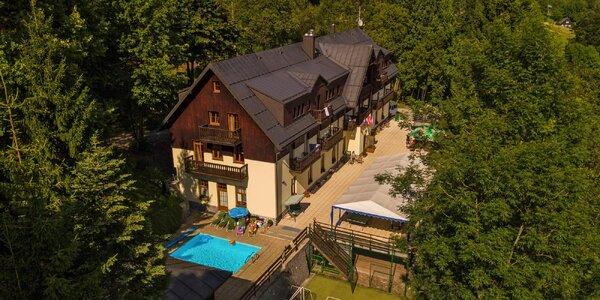 Pohodová dovolená ve Špindlu s polopenzí a bazénem