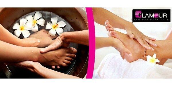 60 minutová letní pedikérská péče včetně masáže chodidel
